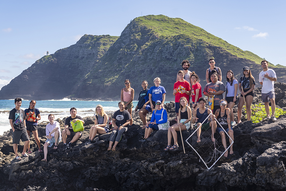 Environmental Studies and Sciences students at Makapuu Tidepools for a class project